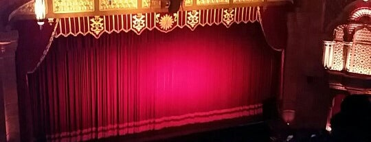 The Fox Theatre is one of Orte, die Alda gefallen.