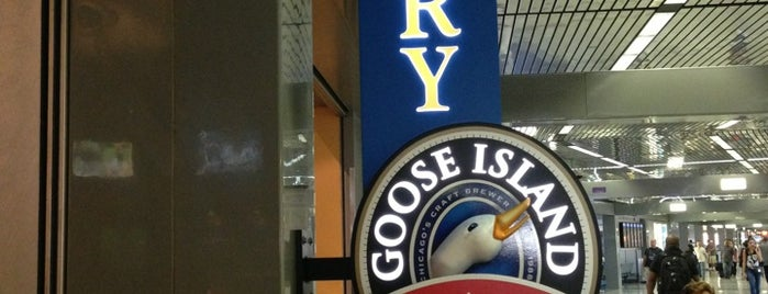 Goose Island Brewery Restaurant is one of Booze and beer.