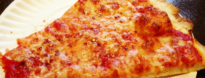 Fascati Pizza is one of NY Pizza By The Slice.