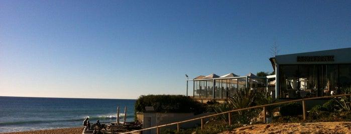 Julia's Beach Restaurant is one of Posti salvati di MENU.