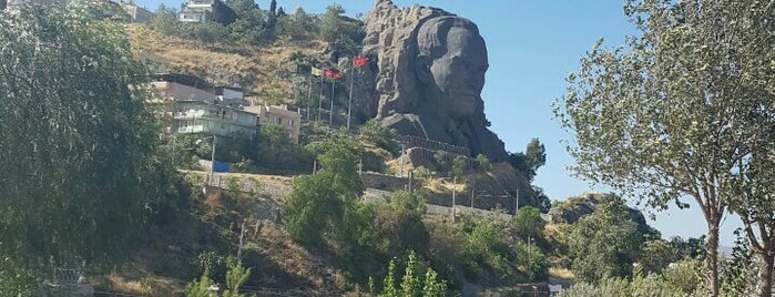 Atamın İzmir'deki Kalesi is one of Eren'in Kaydettiği Mekanlar.