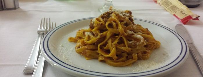 Albergo ristorante Emilio is one of Stiamo in Centro.