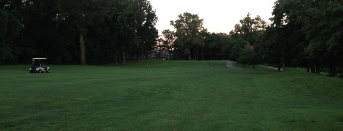 Kissena Park Golf Course is one of Orte, die Scott gefallen.