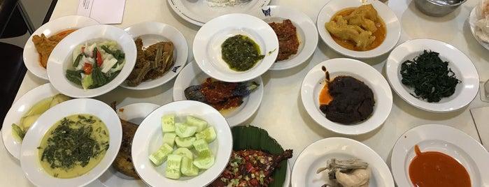 Rumah Makan Padang Sederhana is one of Lieux qui ont plu à Reiner.