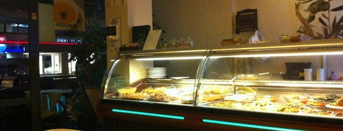 Elias Restaurant is one of Lugares favoritos de Ozgur Can.