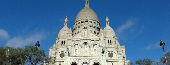 Basilique du Sacré-Cœur is one of 「带一本书去巴黎」.