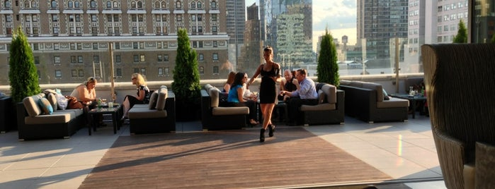 Monarch Rooftop is one of Heated Rooftops.