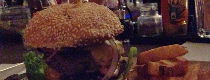 Brooklyn Burger Bar is one of Lieux sauvegardés par lace.