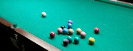 Gedas Snooker Bar is one of GR.