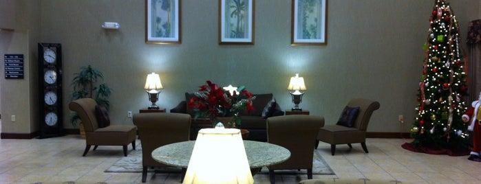 Hampton Inn & Suites is one of Nicolas 님이 좋아한 장소.