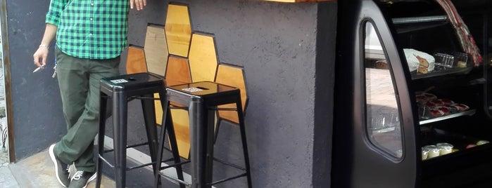 Café Catalán is one of Tempat yang Disimpan Victoria.