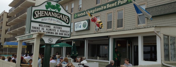 Shenanigan's Irish Pub & Grille is one of Lugares favoritos de Michael.