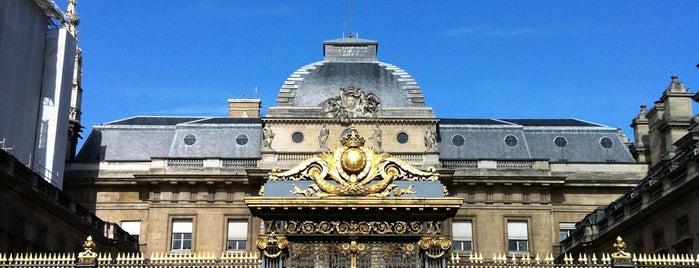 Дворец правосудия is one of Fransa - Paris 🗼.