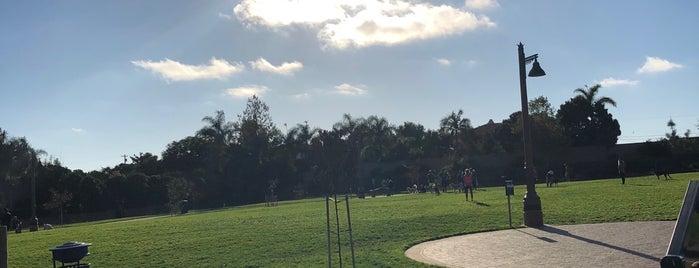 Maggie Houlihan Memorial Dog Park is one of Orte, die John gefallen.