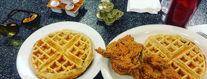 Granny's Kitchen Now Serving Louisiana Famous Fried Chicken is one of Vegas.