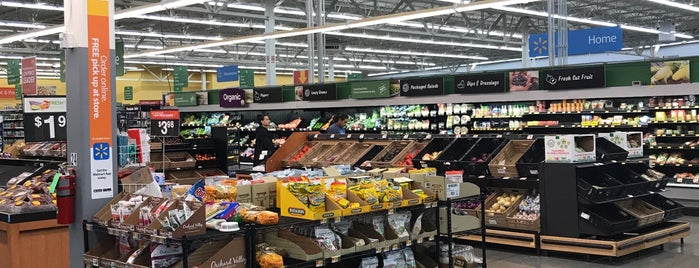 Walmart Supercenter is one of Posti che sono piaciuti a Alberto J S.
