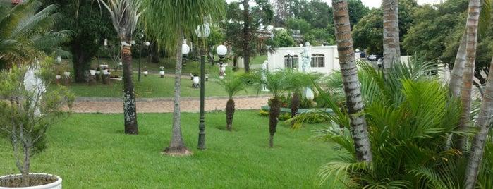 Hospedaria Vila Phênix is one of Tempat yang Disukai Gianpaulo.