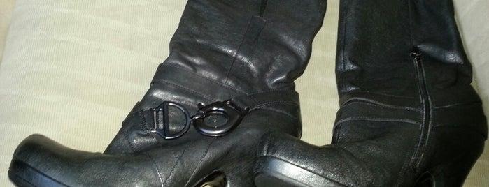 Tony's Shoe Repair is one of Posti che sono piaciuti a Amanda.