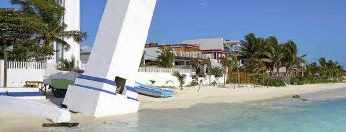 Faro de Puerto Morelos is one of Puerto Morelos.