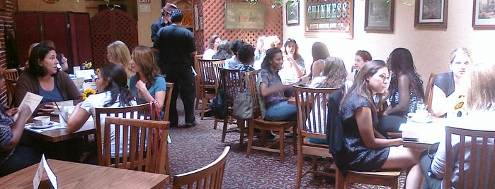 Ladies Who Brunch @ Cat N Fiddle is one of BRUNCH.