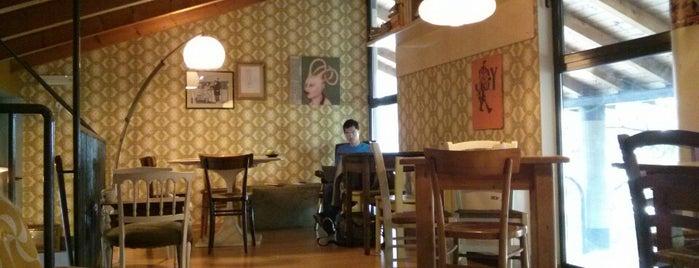 Café De La Paix is one of Trento.
