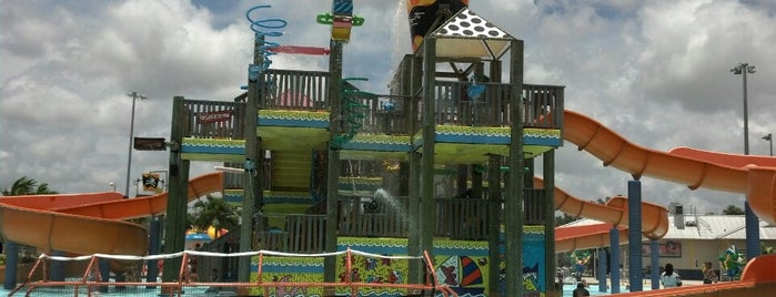 Grapeland Water Park is one of Pavlos list.