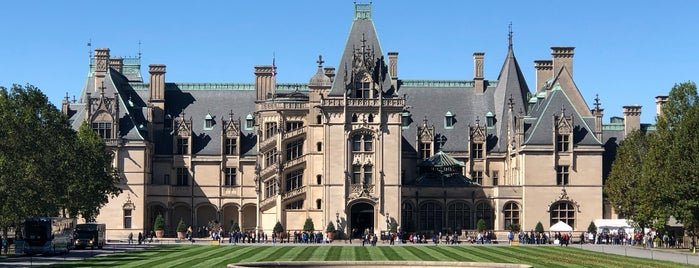 Biltmore House is one of Summer Break.
