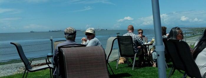Kiniski's Reef Tavern is one of Seattle & Washington St.