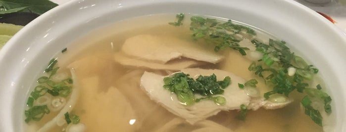 Pho Thu Do is one of Dave 님이 저장한 장소.