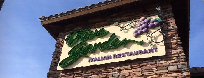 Olive Garden is one of Locais curtidos por Stephanie.