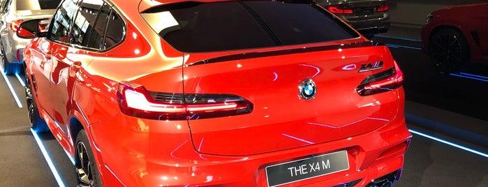 BMW Brand Store is one of Orte, die Kevin gefallen.