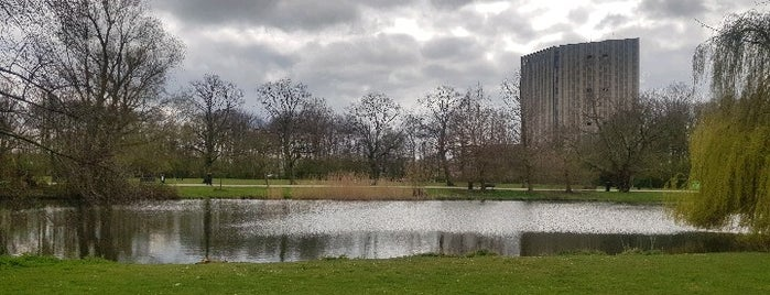 Speeltuin Flevopark is one of Playgrounds in Amsterdam.