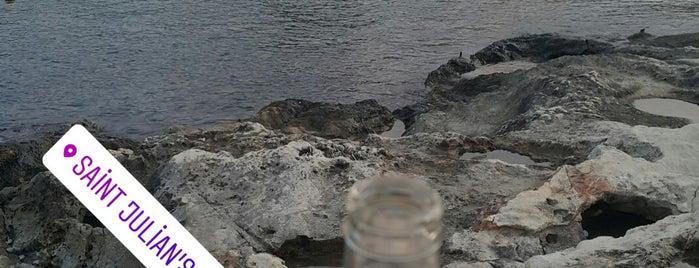St. Julians Beach is one of Özgür Yaşar'ın Kaydettiği Mekanlar.