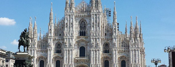 Piazza del Duomo is one of Italia to-do🇮🇹🍝🍕.