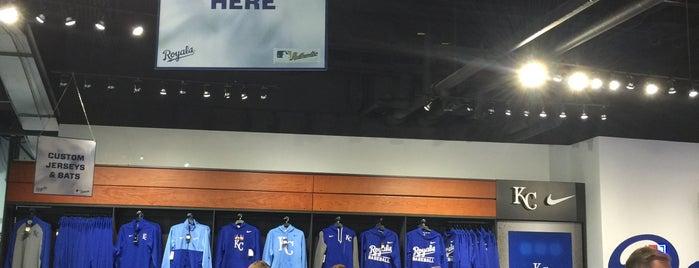 Royals Team Store is one of Posti che sono piaciuti a Travis.