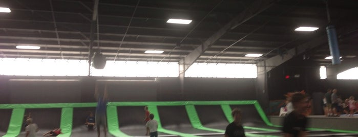 JumpJam Trampoline Park is one of Christyさんの保存済みスポット.
