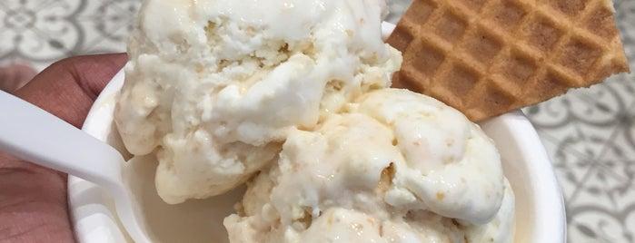 Jeni's Splendid Ice Creams is one of Rayshawnさんのお気に入りスポット.