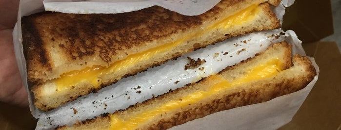 Greenspan's Grilled Cheese is one of Karl 님이 좋아한 장소.