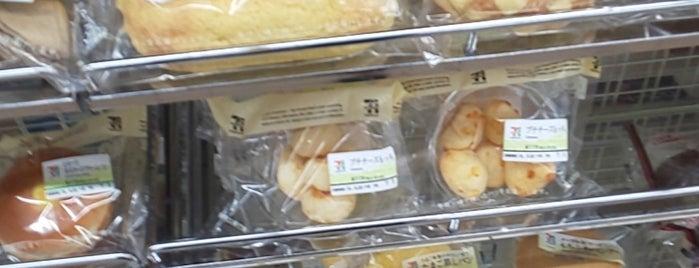 7-Eleven is one of Lugares favoritos de Masahiro.