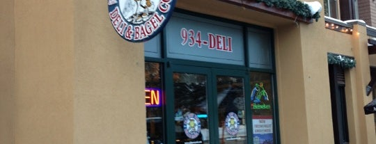 Old New York Deli & Bagel Co. is one of 🚡 Chris 님이 좋아한 장소.
