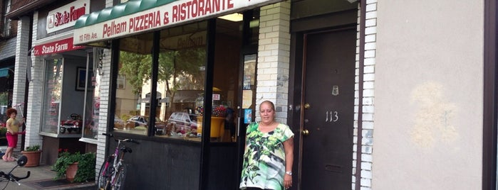 Pelham Pizzeria & Ristorante is one of Orte, die Sandra gefallen.