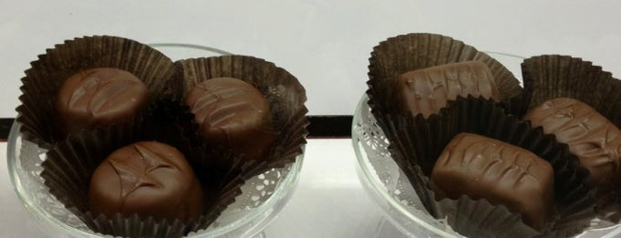 See's Candies is one of Locais curtidos por Dress for the Date.