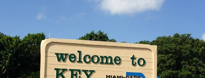 Village of Key Biscayne is one of Miami - Places.