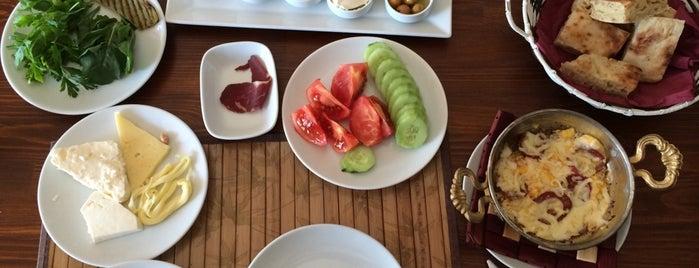 Sohbet Cafe&Food is one of Posti che sono piaciuti a Övünç Erdem.