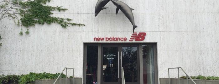New Balance is one of Posti che sono piaciuti a Bo.