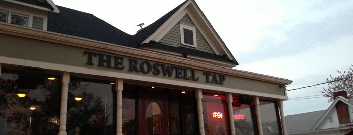The Roswell Tap is one of Best Bars in Georgia to watch NFL SUNDAY TICKET™.