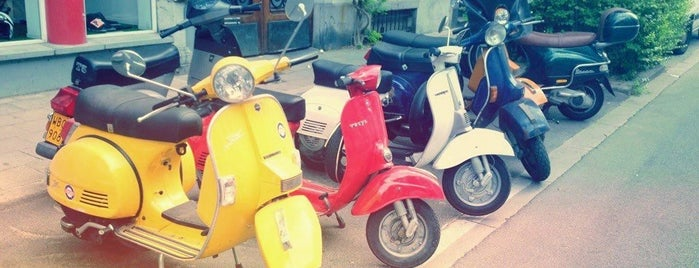 Classic Scooter is one of Lugares guardados de Florence.