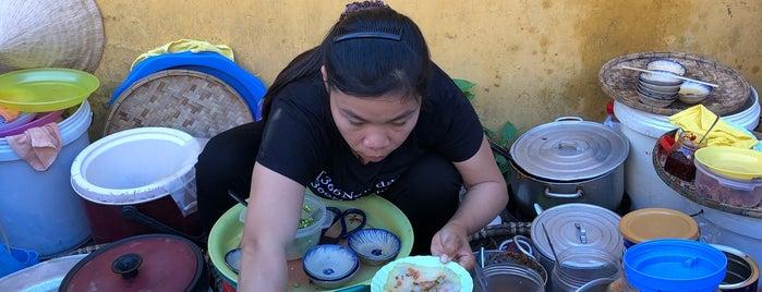 Bánh bèo Bà Bảy is one of สถานที่ที่ See Lok ถูกใจ.
