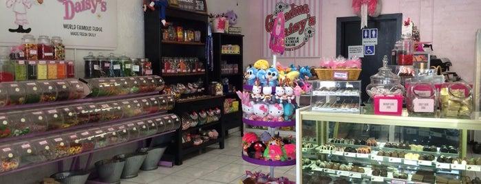 Grandma Daisy's Candy & Ice Cream Parlor is one of Locais curtidos por liz.