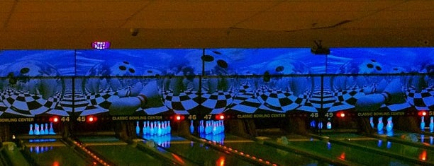 Classic Bowling Center is one of Orte, die Kevin gefallen.